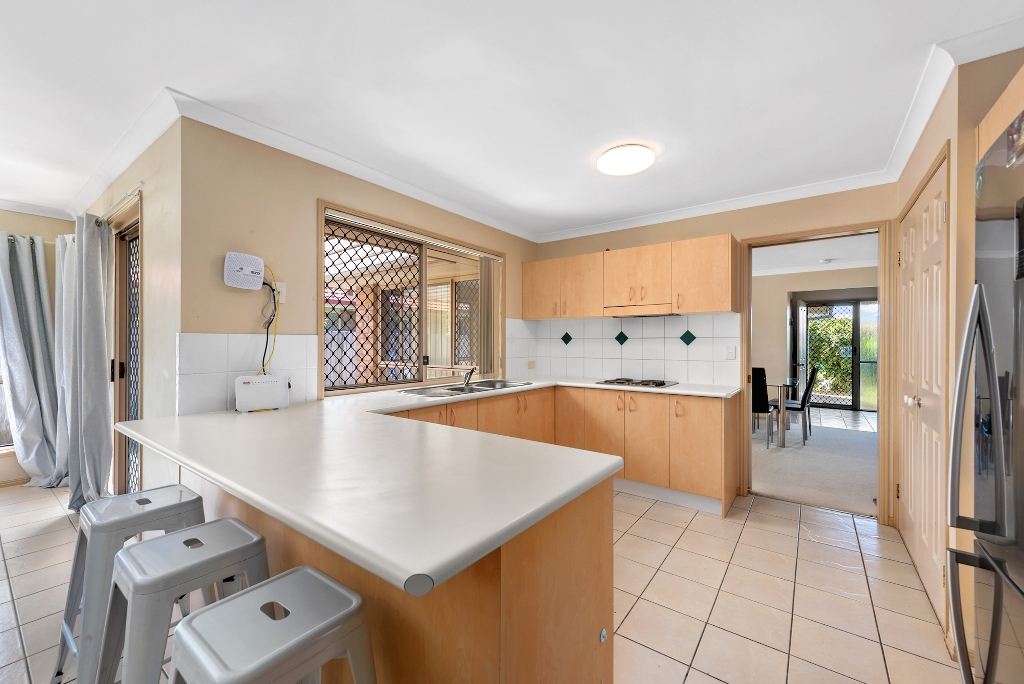 11 Leicester Court Kippa Ring Stephen Smith Real Estate