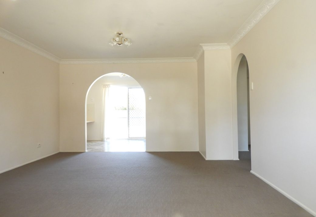 Lounge Room DSCN0500 (2) .2